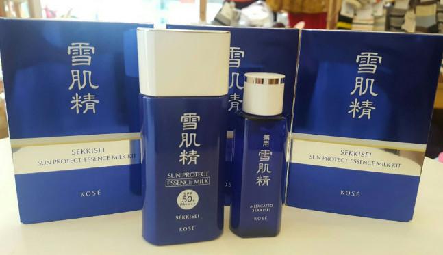 Kem chống nắng Kose Sekkisei Sun Protect Milk SPF50